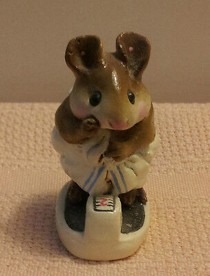 WEE FOREST FOLK, Mouse in Towel on Bathroom Scales Figurine, M140  1986 RETIRED!