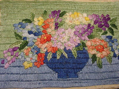 1920s BUCILLA ARTS & CRAFTS SMALL SILK HAND EMBROIDERED PICTURE~FLOWER BOUQUET