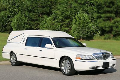 2003 Lincoln Town Car HEARSE EUREKA CONVERSION 2003 White HEARSE EUREKA CONVERSION!,34k MILES LIKE NEW IN AND OUT,NO RESERVE