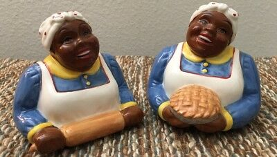 Vintage Black Americana Baking Mammy Salt and Pepper Shakers Ceramic Clay Art