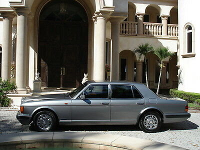 1996 Bentley Brooklands 4 Door Sedan FLORIDA, DEALER SERVICED BROOkLANDS, BEAUTIFUL COLOR COMBINATION