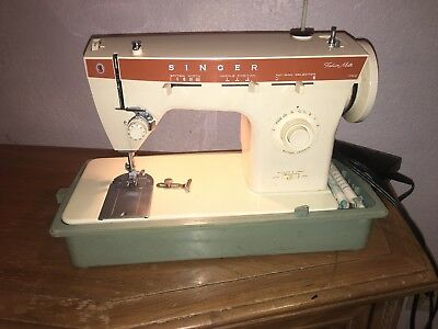 Portable Singer Sewing Machine Model 621B With Foot Pedal