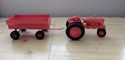 Allis-Chalmers WD-45 Tractor With Hay Trailer by Ertl 1/16th Scale