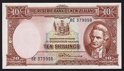 New Zealand 10 Shillings Banknote 1956-67 P-158d Fleming With Security Thread