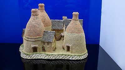 """The MIdlands Collection """"The Bottle Kilns"""" by David Winter Great Britain Vintage"""
