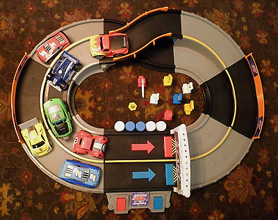Fisher Price Shake N Go Racers/complete Track W/seven Working Cars