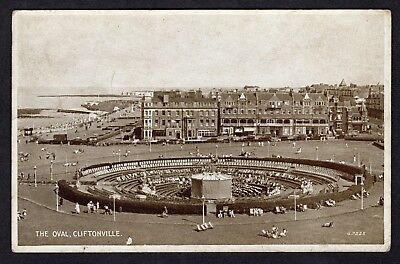 Postcard The Oval Cliftonville Northern Ireland nice R39036