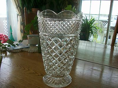 Vintage Early American Prescut Anchor Hocking Wexford Vase
