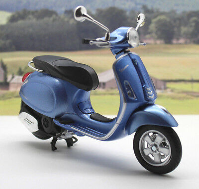 Metallic Blue 1/12 Vespa Primavera Scooter Boys Dad Toy Model Xmas Present Gift