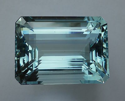 Exceptionnelle  Aigue Marine 46.70 Carats / Bresil / Aquamarine / Video