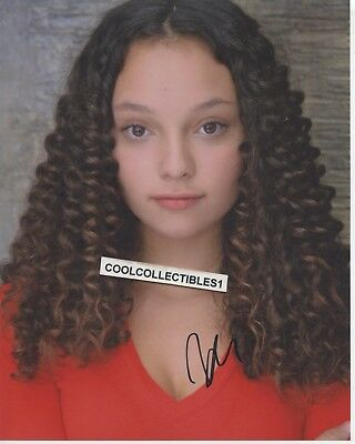 """Kayla Maisonet """"stuck In The Middle"""" In Person Signed 8X10 Color Photo 3"""