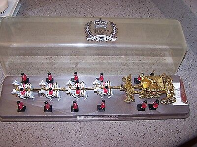 1977 Queens Silver Jubilee Coach Crescent Toy