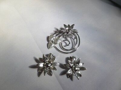 Vintage Silver Tone Flower Brooch and Clip Earrings M1