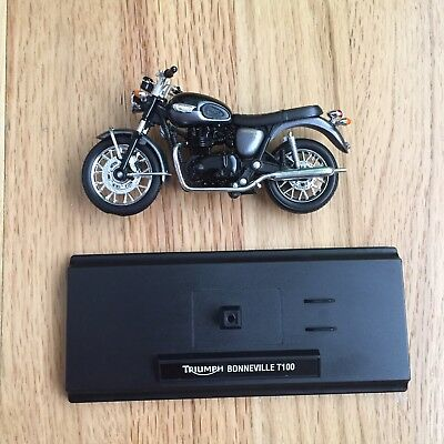 1/18 Triumph T100 Bonneville 2012 Welly Due-Cast Model Black/Grey & Display Base