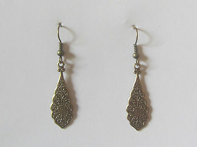 SMALL INTRICATE PERSIAN PATTERN DRK GOLD / BRIGHT GOLD PLATED DROP EARRINGS hook