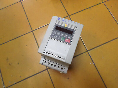 ALLEN BRADLEY VARIABLE SPEED DRIVE - 240ac 1 Ph Supply -- 1.5Kw -- 160S-AA08NSF1
