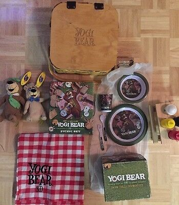 Yogi Bear Full Size Picnic Basket Blanket Picnic Set Stuffed Animals Plates RARE
