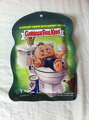 GARBAGE PAIL KIDS - sealed pack of 4 Magnet Cards and candy , Unopened