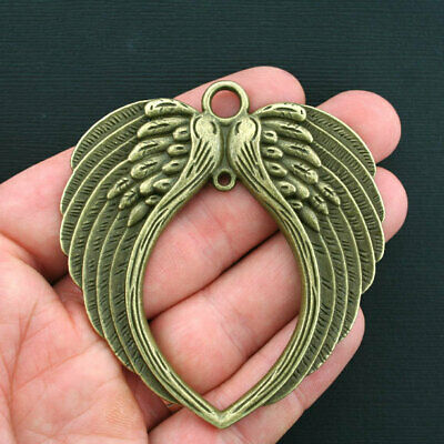 GC030 8 Angel Wings Charms Antique Gold Tone