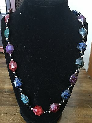 VINTAGE BEAD NECKLACE * Very Nice