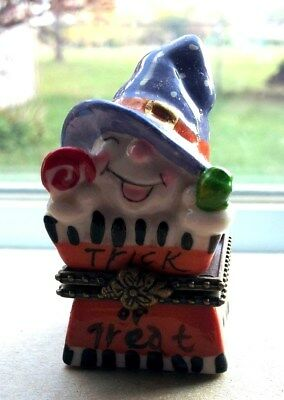 ADORABLE HALLOWEEN WITCH IN TRICK-OR-TREAT BOX Trinket Box with Surprise Inside!