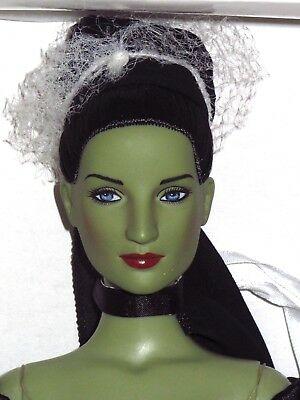 """Tonner - Wizard of Oz Ballet Dance of the Wicked Witch 16"""" Ballerina Doll"""