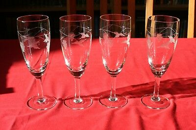Set of 4 Vintage cut glass champagne flutes/ white wine glasses with grape and v