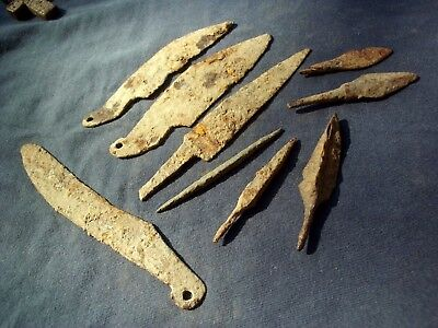 LOT OF ANCIENT CELTIC IRON KNIFES, DAGGERS AND ARROWHEADS - 500-300 bc