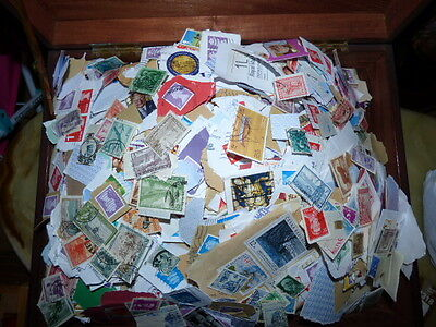 KILOWARE - 5Kg GB AND WORLDWIDE  STAMPS  /b.b/