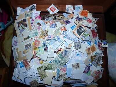 KILOWARE - 5Kg GB AND WORLDWIDE  STAMPS  /wwr.b/