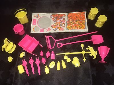 1993 Barbie Feeding Fun Stable Accessories Full Set