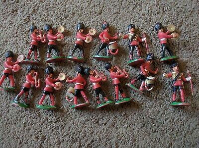 vintage  Queens guard band plastic soldiers