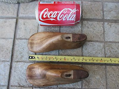 Antique Lovely Small Pair Rare Wooden Cobbler Tool Shoe Child Forms Molds