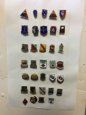 US Army dis (unit crests) original period items united states pins