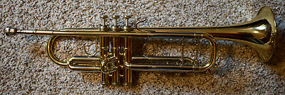 B&S Challenger l Model 3137 Bb Trumpet, hard case, mute and cleaners