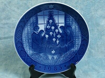 "ROYAL COPENHAGEN 1983 ""Merry Christmas"" Cabinet Collector Plate"