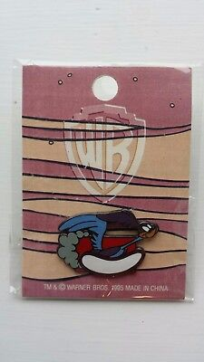 Hard to Find The Road Runner Toons Warner Bros. WB 1995 Pin MOC NIP