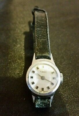 ladies watch. timex retro old skool wristwatch. Good Working Order