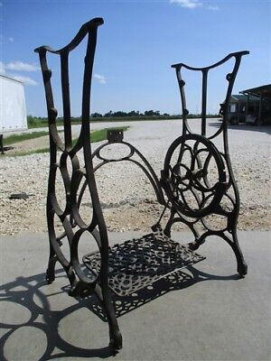 Treadle Sewing Machine Cast Iron Base Industrial Age Table Singer Steampunk kL