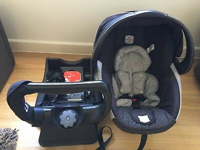 Britax Unity Safe and Sound Capsule with base Year 2014