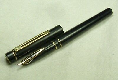 Sheaffer Targa 1003 Classic Fountain Pen. Broad oblique stub nib. 1980s. GWC.