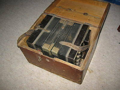 Very old, small Concertina Bandoneon Bandonion Accordion 16 / 22 buttons