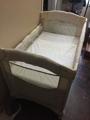 ARM'S REACH CO-SLEEPER - IDEAL EZEE  W/ 1 NEW Sheet - Natural color, NEVER used