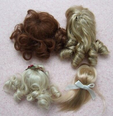 """Lot of 4 Synthetic Doll Wigs, in used condition, to fit  6~8"""" dolls, please see"""