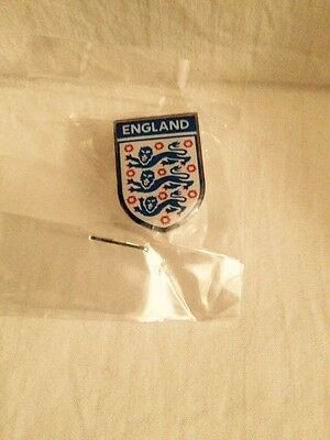 England FA enamel pin badge.