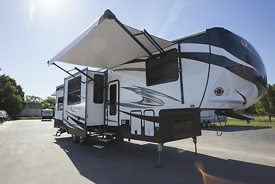 Travel in Style with a NEW 2018 Torque TQ345 5th Wheel Toy Hauler