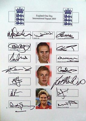ENGLAND v AUSTRALIA 2005 ONE DAY SQUAD – CRICKET OFFICIAL AUTOGRAPH TEAM SHEET