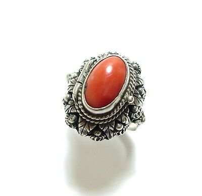 Beautiful Unusual Vintage Or Antique Silver & Coral Locket Poison Ring Boho (B6)