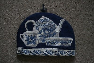 Vintage Blue & White China Tapestry Tea Cosy