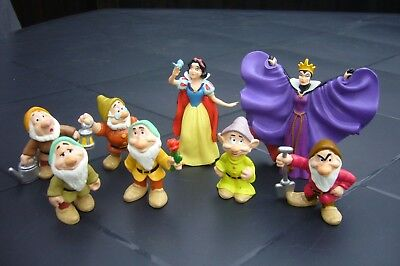 Snow White, Evil Queen and 6 dwarf figures - clean - VGC